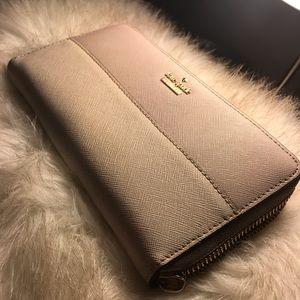 Kate Spade Leather Zip around wallet
